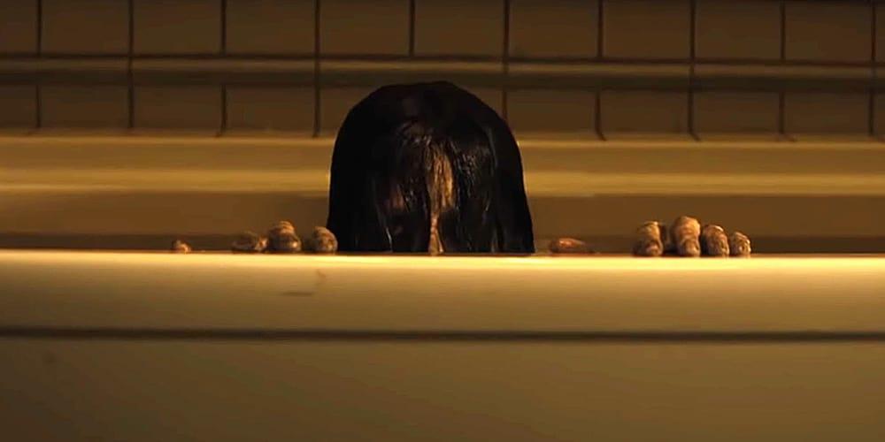 The-Grudge-Review-bathtub